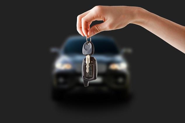 Schlüsselübergabe nach dem Limousinen verkaufen